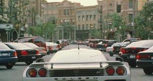 Брюс Всемогущий на машине в пробке – Брюс Всемогущий (2003)