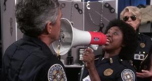 Свисток против рупора – Полицейская академия 5: Место назначения – Майами бич (1988)