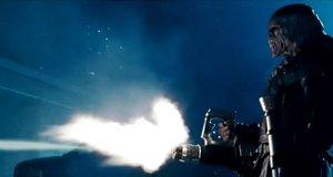 Мутант Немезида против офицеров «S.T.A.R.S.» – Обитель зла 2: Апокалипсис (2004)
