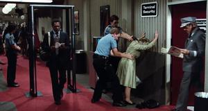 Служба безопасности – Аэроплан 2: Продолжение (1982)