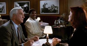 Фрэнк и Джейн в ресторане – Голый пистолет 2 1/2: Запах страха (1991)