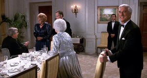 Фрэнк и миссис Буш – Голый пистолет 2 1/2: Запах страха (1991)