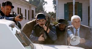 Облава на преступника – Голый пистолет 2 1/2: Запах страха (1991)