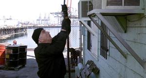 Проникновение лейтенанта Дребина – Голый пистолет 2 1/2: Запах страха (1991)
