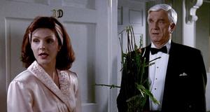 Фрэнк приехал домой к Джейн – Голый пистолет 2 1/2: Запах страха (1991)