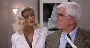 Фрэнк под прикрытием в банке спермы – Голый пистолет 33 1/3: последний выпад (1994)