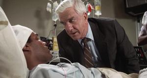 В больнице – Голый пистолет (1988)