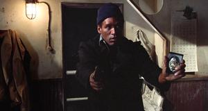 Неудачная операция – Голый пистолет (1988)