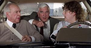 Погоня на учебной машине – Голый пистолет (1988)