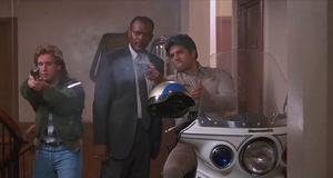 Поиск осведомителя – Заряженное оружие (1993)