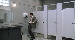 Мистер Бин сушит штаны в туалете – Мистер Бин (1997)