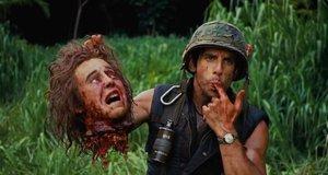 Бен Стиллер пробует оторванную голову на вкус – Солдаты неудачи (2008)