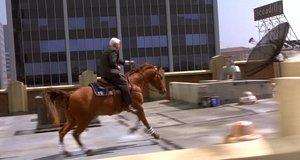 Дик Стил убегает на коне – Неистребимый шпион (1996)