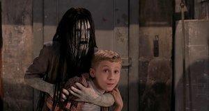 Пародия на «Звонок» – Очень страшное кино 3 (2003)