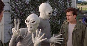 Мирные инопланетяне – Очень страшное кино 3 (2003)