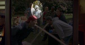 Новость про пришельцев – Очень страшное кино 3 (2003)