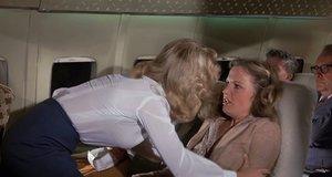 Адекватная помощь при истерике в самолете – Аэроплан (1980)