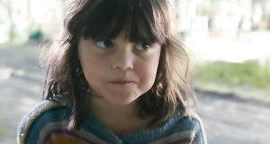 Одинокая девочка на кладбище – Волчок (2009)