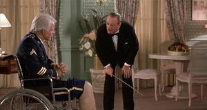 Доктор проверяет ноги Фредди – Отпетые мошенники (1988)