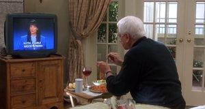 Райан Харрисон смотрит телевизор – Без вины виноватый (1998)