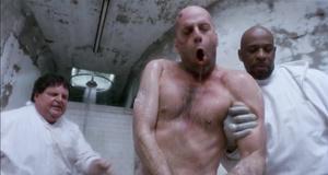 Джеймс Коулп прибыл в психушку – 12 обезьян (1995)
