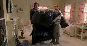 Джесси и Честер выносят мусор – Где моя тачка, чувак (2000)