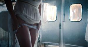 Эротическая сцена с Лив Тайлер – Оставленные (2014)
