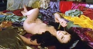 Голая Ольга Погодина в эротической сцене – Золотой век (2003)