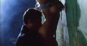 Откровенная сцена с Памелой Андерсон – Игра в полицейских (1994)