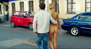 Откровенная сцена с голой Оксаной Акиньшиной – СуперБобровы (2015)