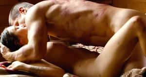 Постельная сцена с голой Элизабет Олсен – Олдбой (2013)