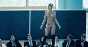 Полностью голая Карина Зверева в эротической сцене – Метод (2015)