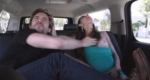 Откровенная сцена со Стефани Фантоцци в машине – Бесстыжие (2011)