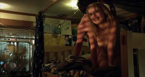 Голая Лаура Уиггинс в секс сцене – Бесстыжие (2011)
