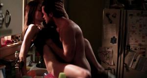 Секс сцена с Эмми Россам на кухне – Бесстыжие (2011)