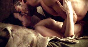 Секс сцена с Катриной Ло – Спартак: Кровь и песок (2010)