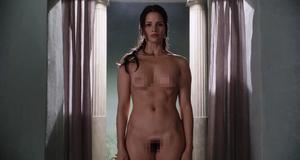 Голые Катрина Ло и Люси Лоулесс в эротической сцене – Спартак: Кровь и песок (2010)