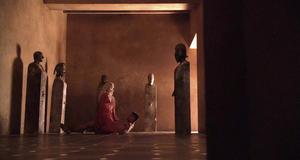 Люси Лоулесс в эро сцене – Спартак: Кровь и песок (2010)