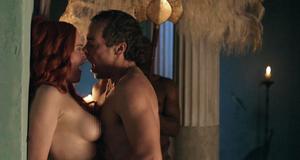 Секс сцена с Люси Лоулесс – Спартак: Кровь и песок (2010)
