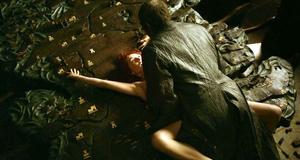 Голая Кэрис ван Хаутен в постельной сцене – Игра престолов (2011)