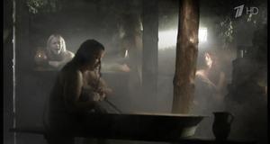 Марина Александрова, Светлана Павлова, Марина Денисова и Алеся Пуховая в откровенной сцене в бане – Снайпер 2: Тунгус (2012)
