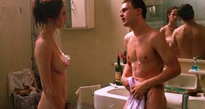 Голая Ева Грин в эротической сцене – Мечтатели (2003)