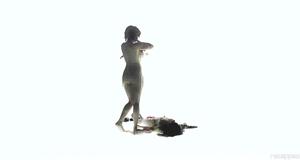 Голая Скарлетт Йоханссон в горячей сцене – Побудь в моей шкуре (2013)