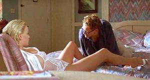 Постельная сцена с Шарлиз Терон – Два дня в долине (1996)