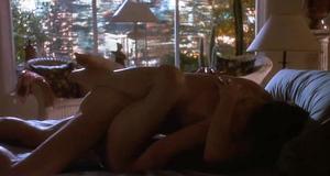 Секс сцена с Джулианной Мур – Тело как улика (1992)