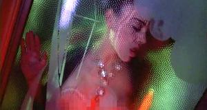 Секс сцена с Алиссой Милано – Ядовитый плющ 2: Лили (1995)