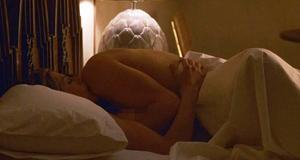 Секс сцена с Дженнифер Энистон – Хорошая девочка (2001)