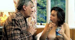 Голая Наталья Щукина ест сгущенку – Небеса обетованные (1991)