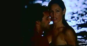 Келли Брук занимается сексом в воде – Секс ради выживания (2005)