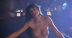 Голая Деми Мур танцует стриптиз – Стриптиз (1996)